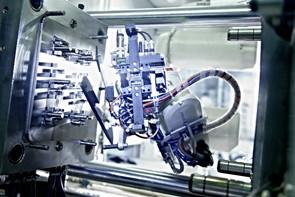 Robot 6 ejes maquina de inyeccion plastico